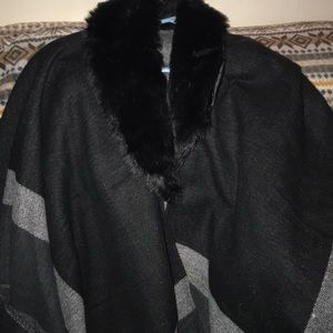 Brand new madden girl Pancho with faux fur